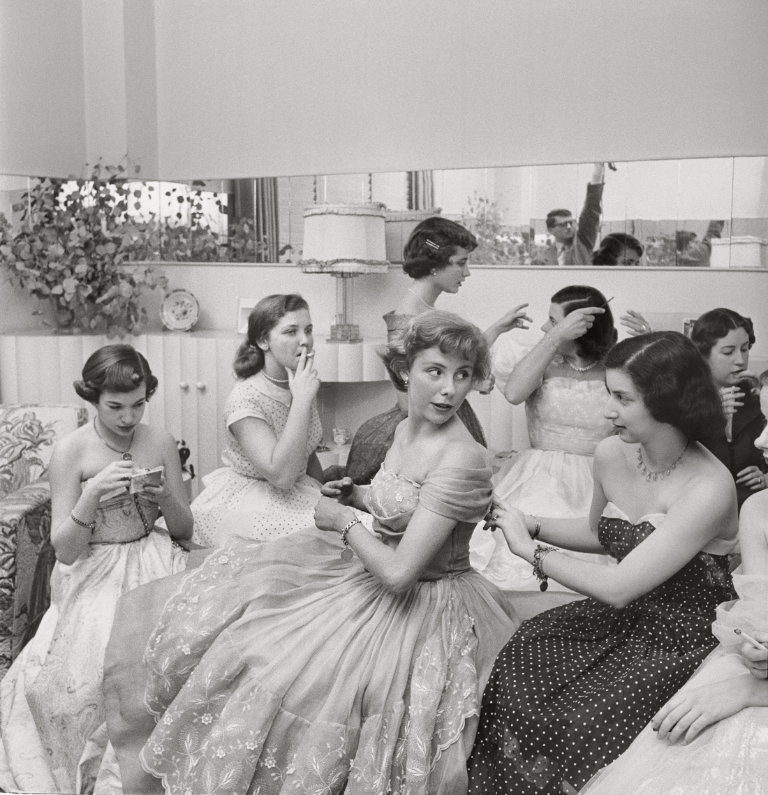 """Stanley Kubrick, Betsy von Furstenberg with friends from """"The Debutante Who Went to Work,"""" 1950. Copyright: © SK Film Archives/Museum of the City of New York"""