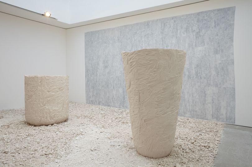 Jodie Carey, Untitled (Pots), 2015 © Jodie Carey, courtesy Edel Assanti