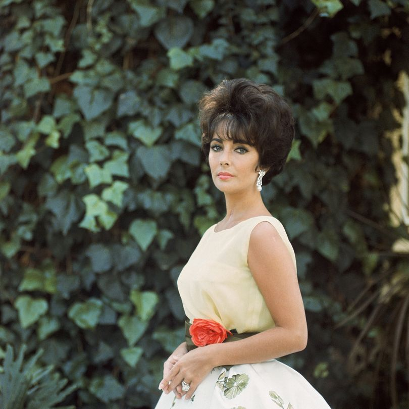'Elizabeth Taylor in Yellow with Ivy, Side 1', 1961, Mark Shaw © Mark Shaw / mptvimages.com
