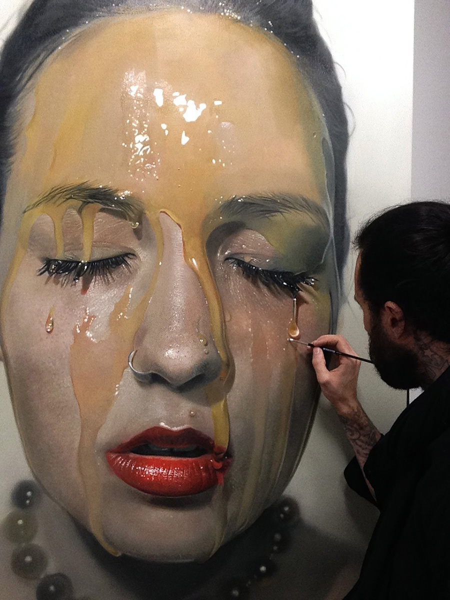 Hyperrealistic art that looks like photographs of beautiful women drenched in honey