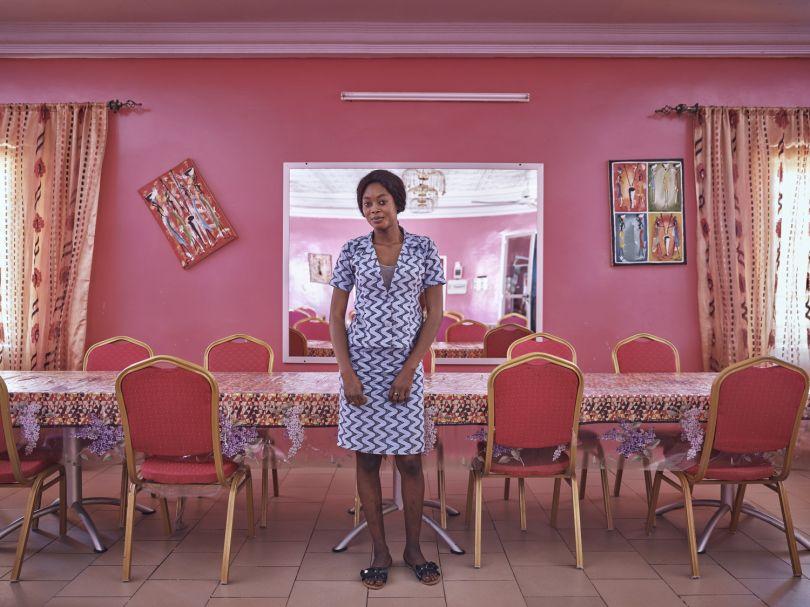 Gagnesseri Seck - Waitress © Giovanni Hänninen