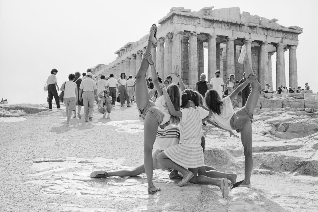 On the Acropolis: Photographs of summer tourists in the early 1980s by Tod Papageorge