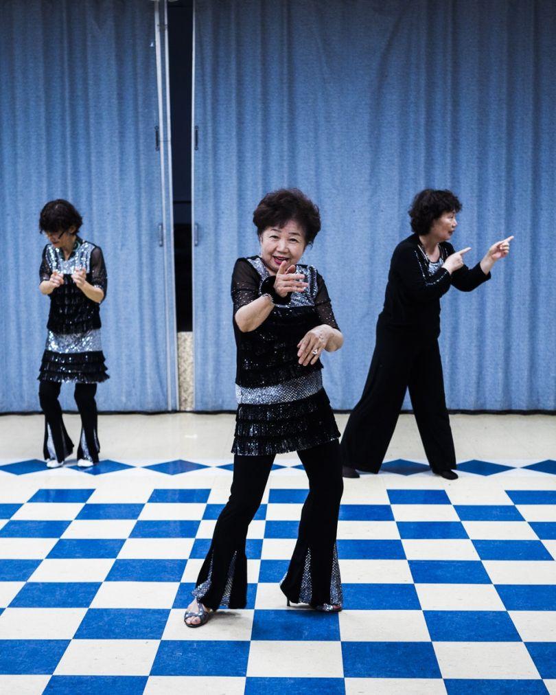 Dancing Halmonis by An Rong Xu