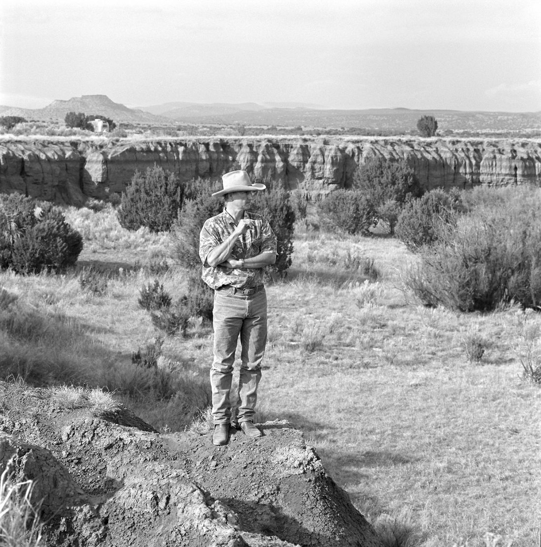 Laura Wilson, Bruce Nauman, Galisteo, New Mexico, May 26, 1998