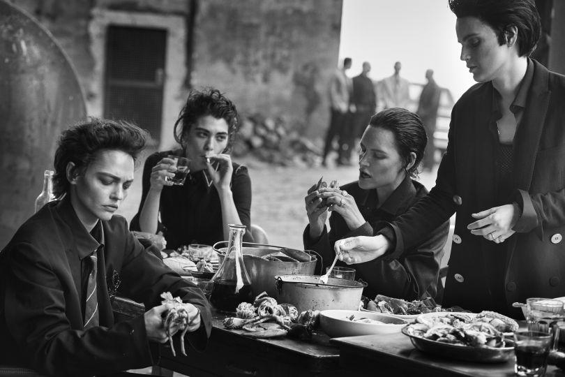 Sasha Pivovarova, Steffy Argelich, Kirsten Owen & Guinevere van Seenus, Brooklyn, 2015 © Peter Lindbergh. Courtesy of Peter Lindbergh, Paris