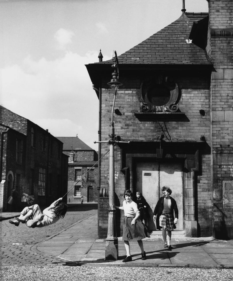 Shirley Baker Manchester, 1962 © Estate of Shirley Baker, Courtesy of The Photographers' Gallery
