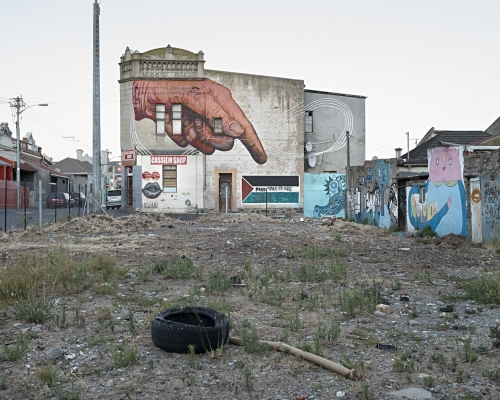 Free Palestine, Woodstock ('hand' mural by Gaia), Cape Town, 2015 | © David Lurie