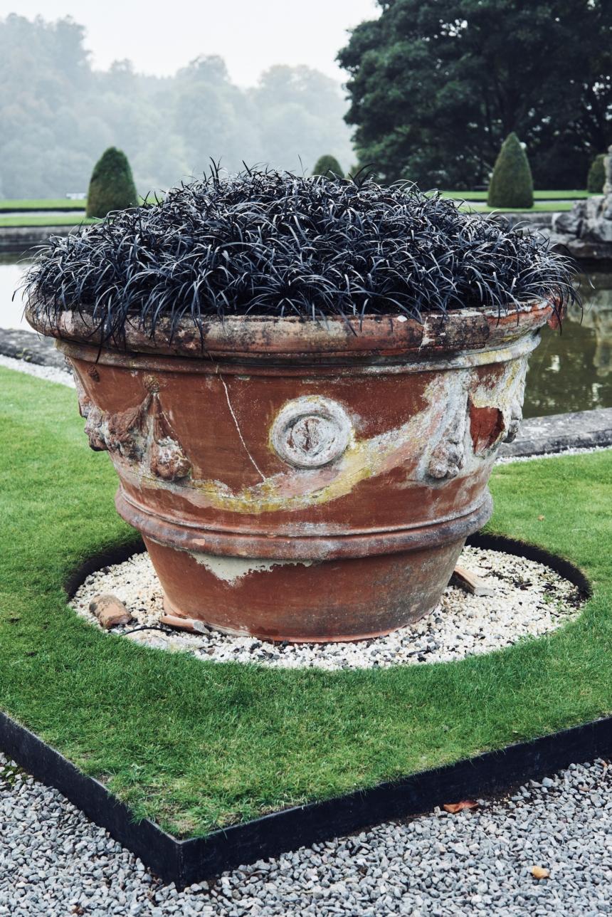 Black Pots, 2017 SOFTER: Jenny Holzer at Blenheim Palace , Blenheim Palace, Woodstock, UK, 2017 © 2017 Jenny Holzer, member Artists Rights Society (ARS), NY Photo: Edd Horder