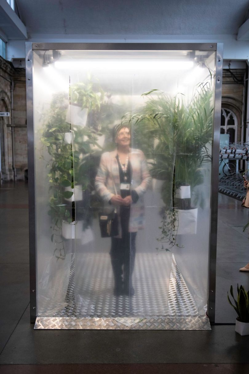 Lung cleaning cube at Middlesbrough railway station. Image credit: Tracy Kidd