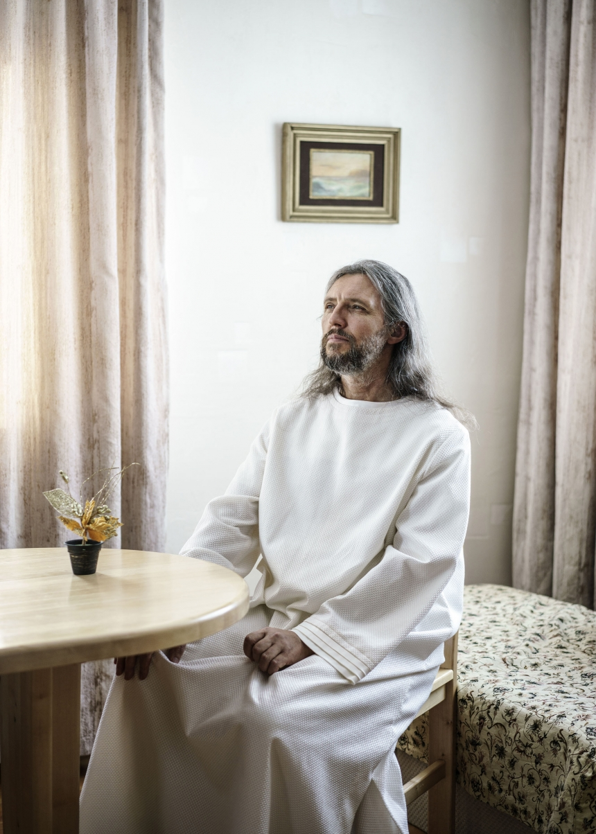 Vissarion, the Christ of Siberia. Formerly a traffic policeman in the 1980s, he got his first revelation that he was Jesus Christ at the same time as the breakup of the Soviet Union. Since then he has gathered a following of 5-10 000 disciples in the Siberian forest. There they live in separate villages with their own infrastructure and social systems. Russia, 2016   © Jonas Bendiksen/ Magnum Photos