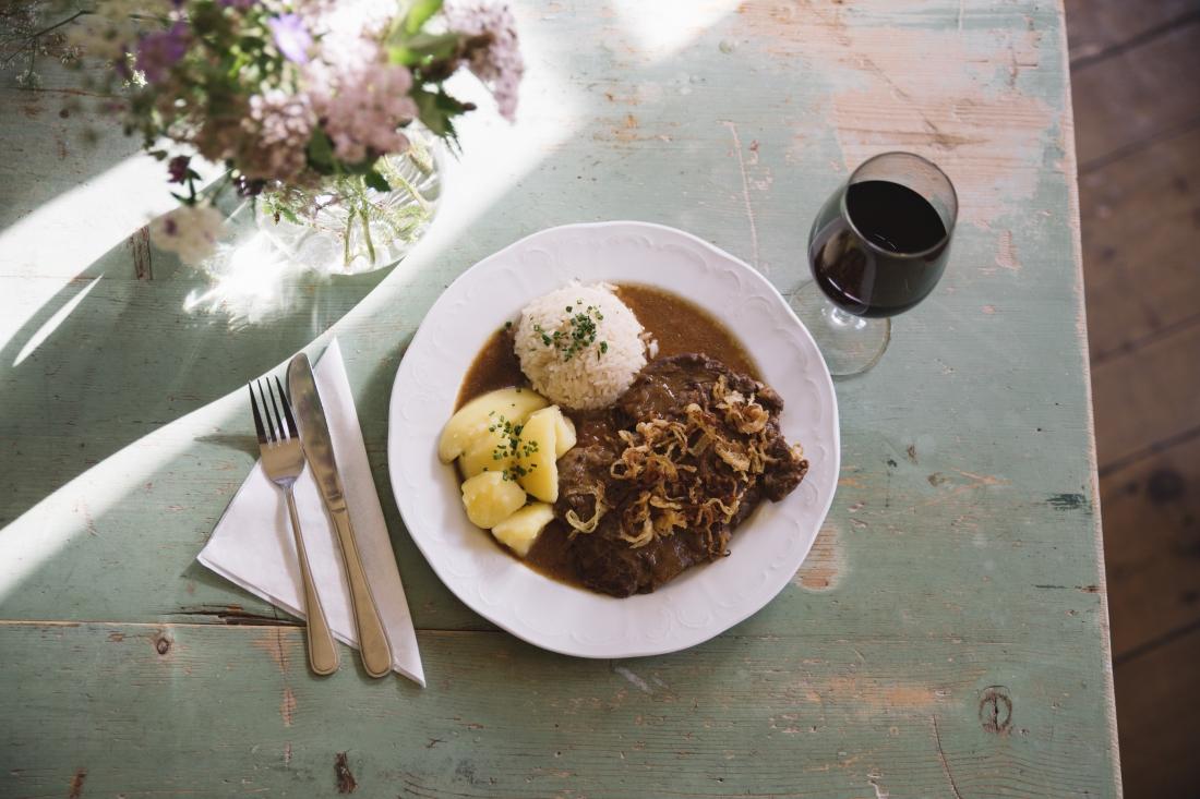 Try some local Austrian treats, like dumplings      © Tirol Werbung / Heinzlmeier Bert
