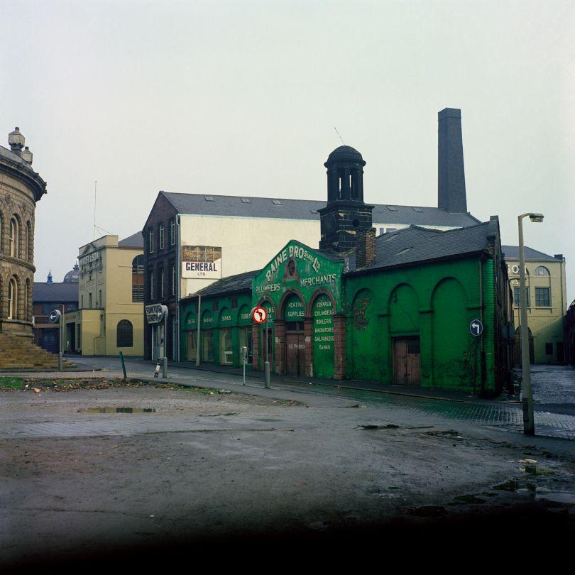 Cloth Hill Street © Peter Mitchell courtesy RRB Photobooks