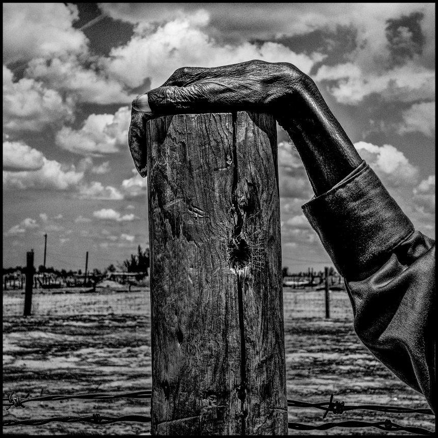 Fence post. Allensworth has a population of 471 and 54% live below the poverty level. USA. Allensworth, California. 2014. © Matt Black/Magnum Photos