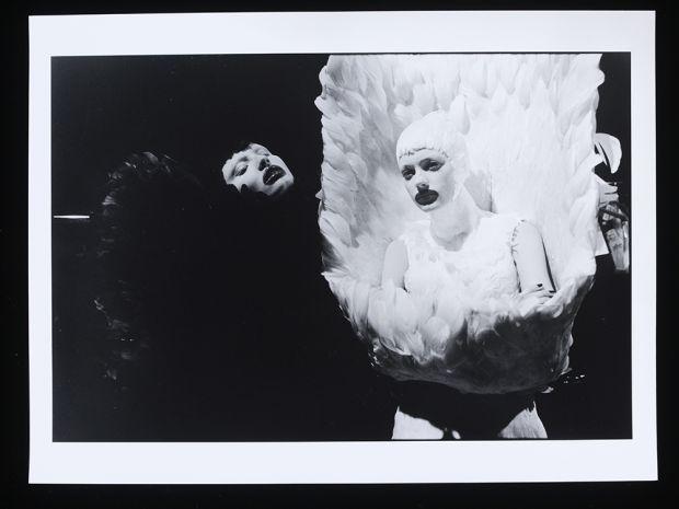 Unfallen Angels II, 2009 - © Ann Ray / Victoria and Albert Museum, London