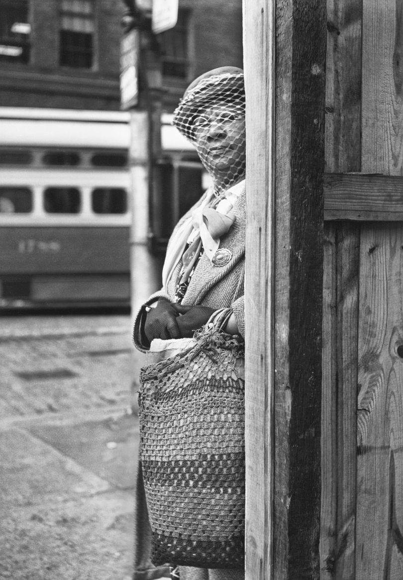 Untitled Pittsburgh 1950 © Elliott Erwitt / Magnum Photos Courtesy: Carnegie Library of Pittsburgh