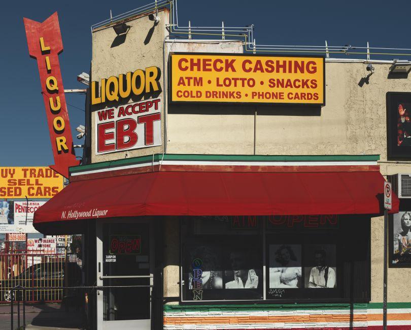 North Hollywood Liquor, Los Angeles, 2017 © Ben Hassett