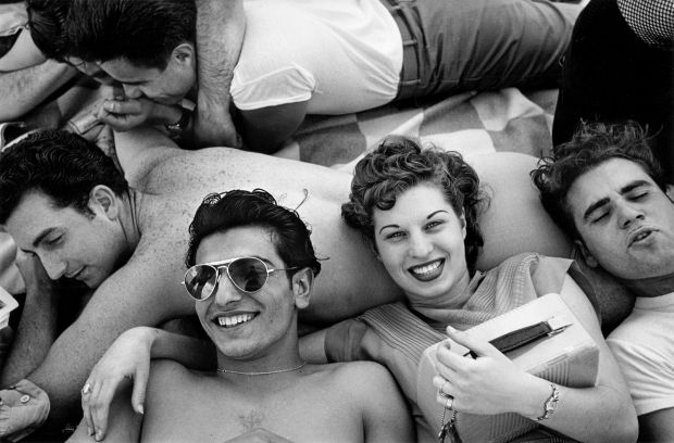 Coney Island Teenagers, 1949 © Estate of Harold Feinstein All rights reserved
