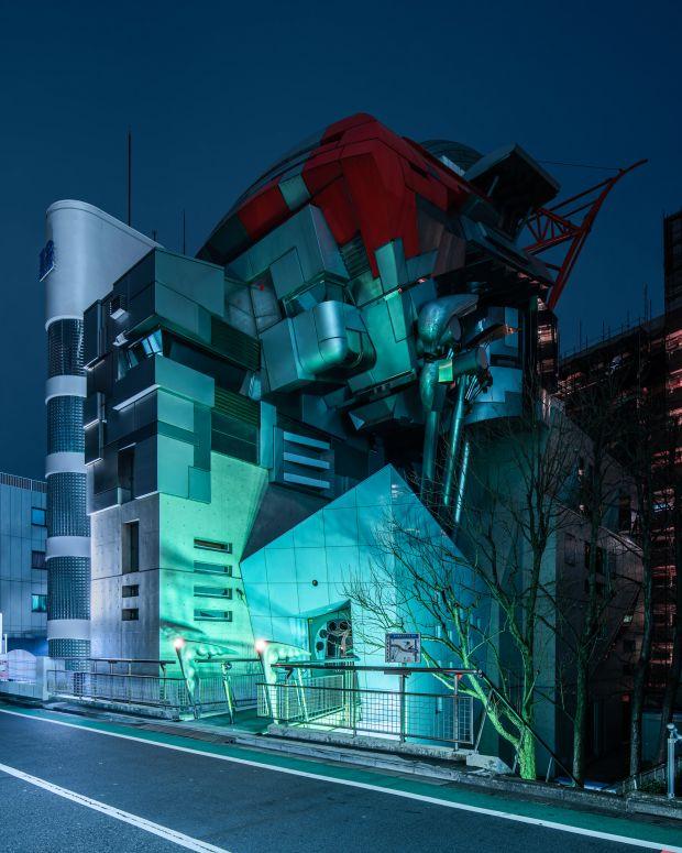 Aoyama Gundam © Tom Blachford