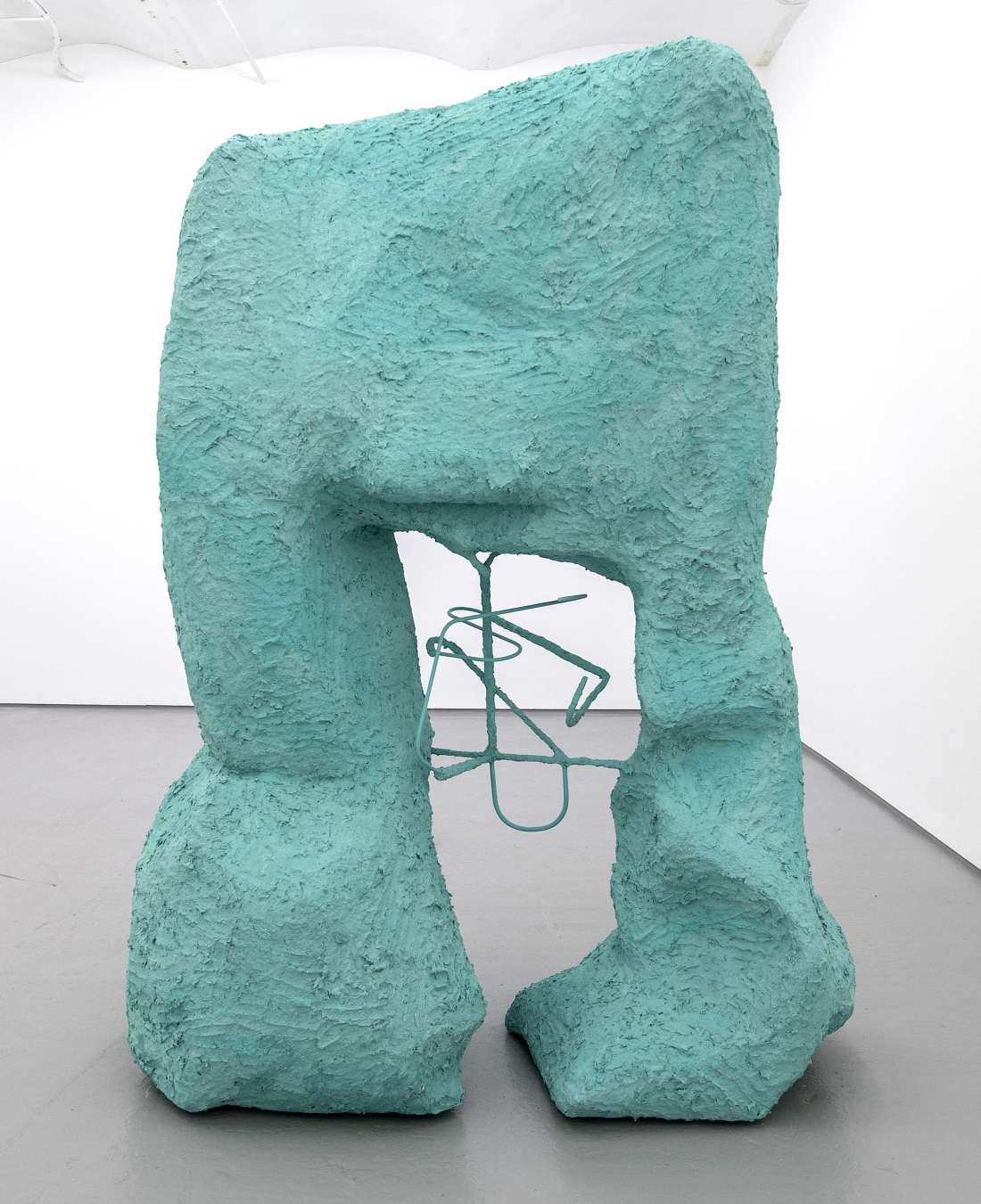 Surface Matters: Giant raw and exposed sculptures by Ellen Hyllemose ...