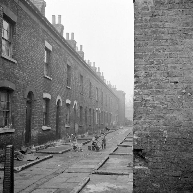 London, 1960–1965, John Gay © John Gay / English Heritage / Mary Evans Picture Library