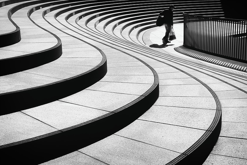 Dramatic, minimalist street photography that captures the quieter side of Tokyo