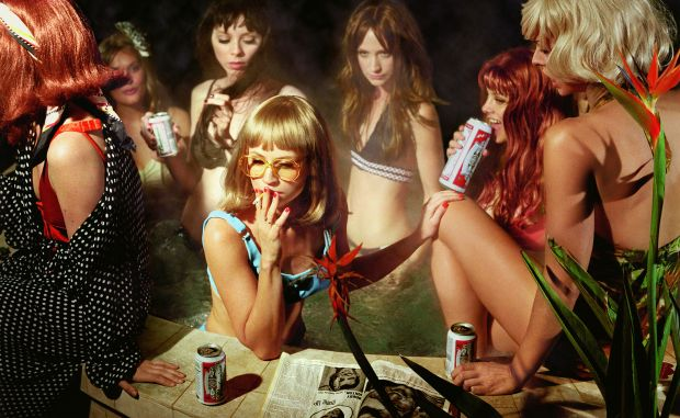The Big Valley: Susie and Friends, 2008 © Alex Prager Studio and Lehmann Maupin, New York and Hong Kong. Courtesy Alex Prager Studio, Lehmann Maupin, New York and Hong Kong.