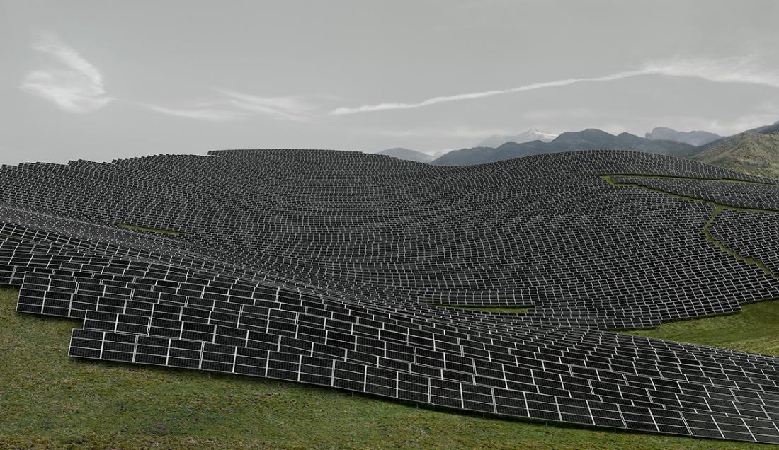 Andreas Gursky, Les Mées, 2016 C-Print. 220.9 x 367.2 x 6.2 cm© Andreas Gursky/DACS, 2017. Courtesy: Sprüth Magers