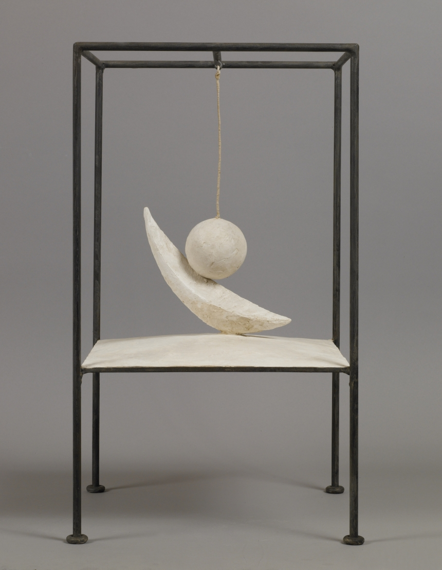 Suspended Ball 1930-1931 Plaster and metal 60.6 x 35.6 x 36.1 cm Collection Fondation Alberto et Annette Giacometti, Paris © Alberto Giacometti Estate, ACS/DACS, 2017