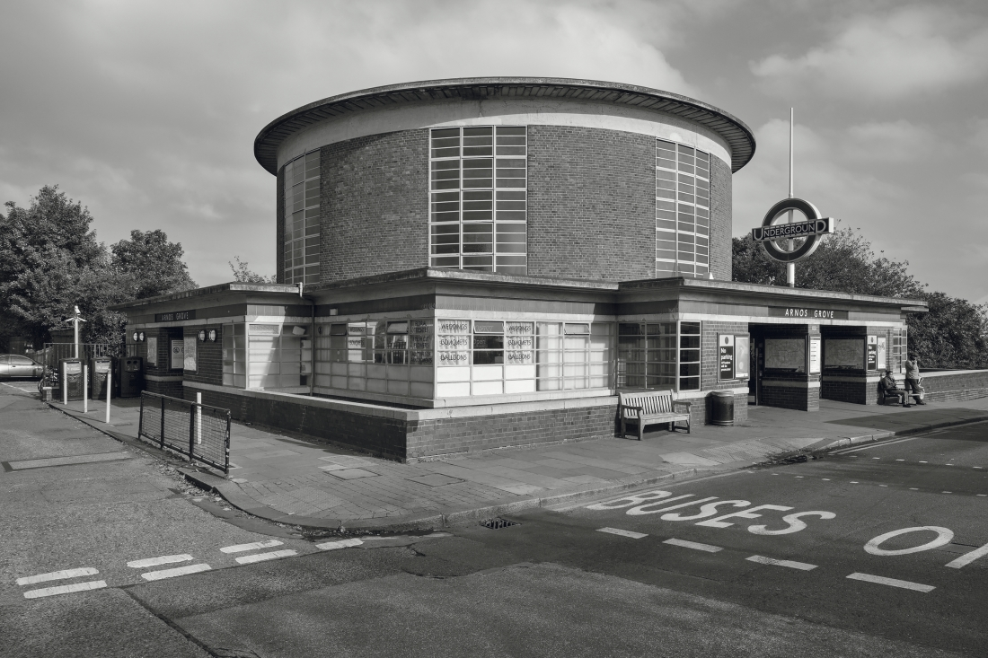 Metro Station Arnos Grove, London, UK, 1932 © Photo: Jean Molitor