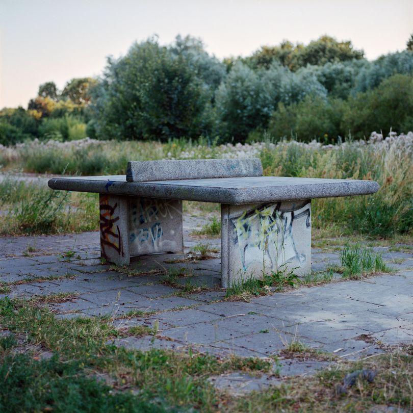 Tischtennisplatte, Hellersdorf 2013 © Christine Fenzl