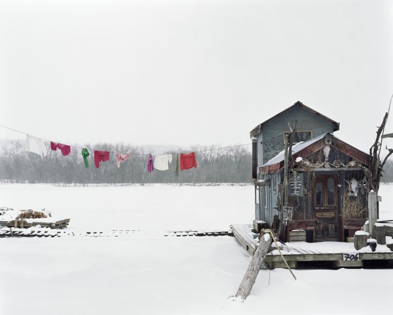 Peter's Houseboat, Winona, MN, 2003 © Alec Soth / Magnum Photos courtesy Sean Kelly Gallery, New York and Beetles + Huxley Gallery, London