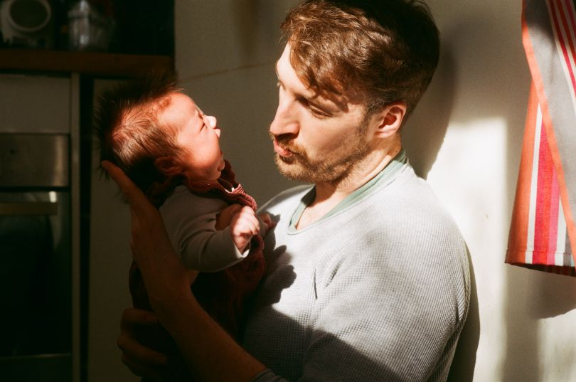 Stuart and Poppy – From the series, Present Fathers © Sophie Harris-Taylor