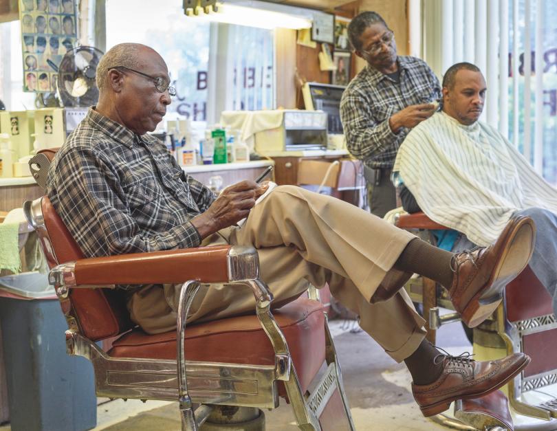 Gene's Barbershop, Greensboro © Andrew Moore, from Blue Alabama