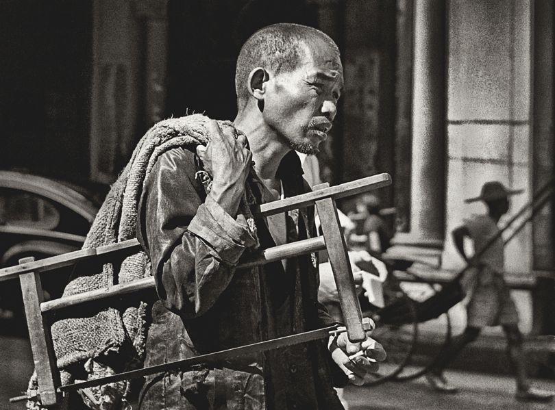 Fan Ho 'Master Craftsman(鬼斧神工)' Hong Kong 1950s and 60s, courtesy of Blue Lotus Gallery