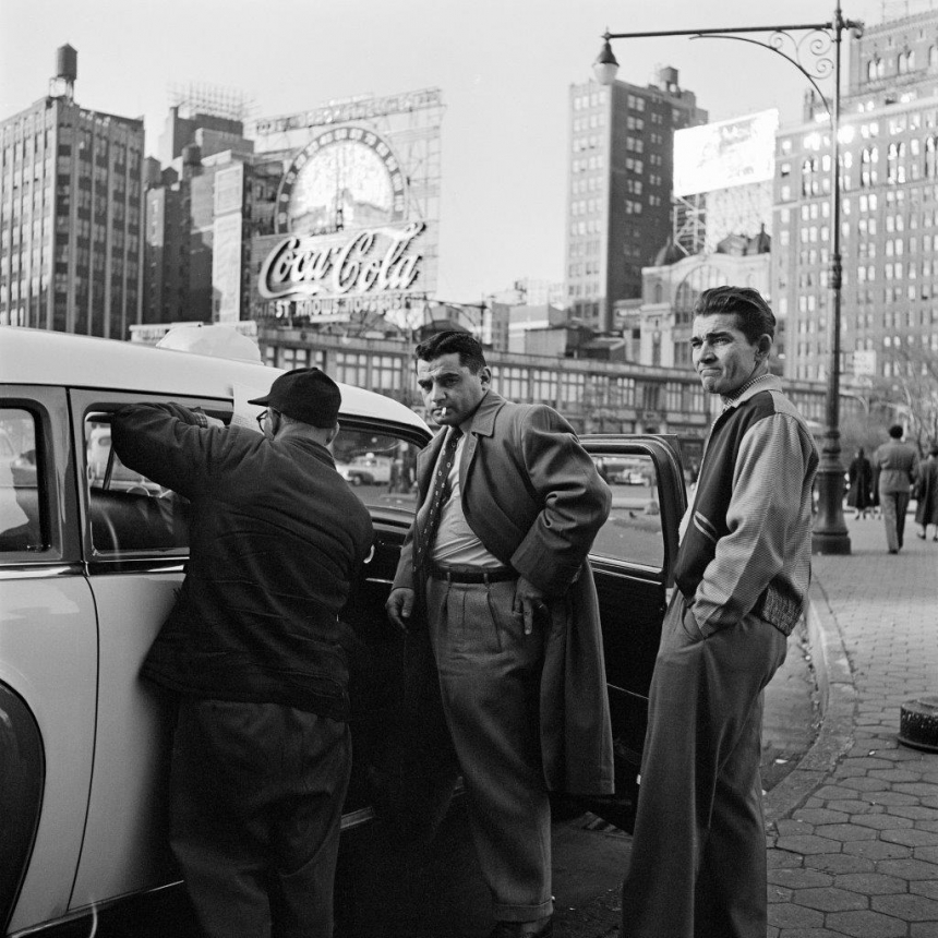 ©Estate of Vivian Maier/Maloof Collection, Courtesy Howard Greenberg Gallery, New York