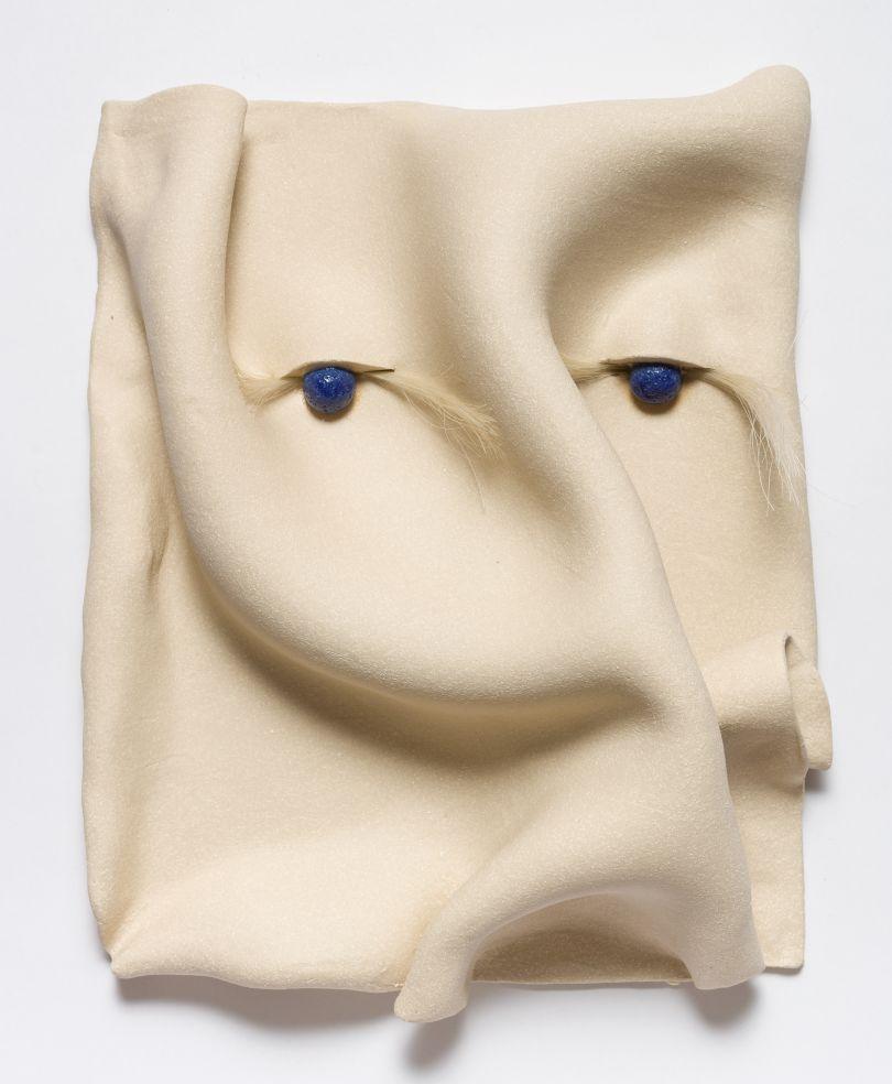 Jonathan Baldock, Maske I, 2019, ceramic, 31 x 25 cm. Copyright Jonathan Baldock. Courtesy of the artist and Stephen Friedman Gallery, London