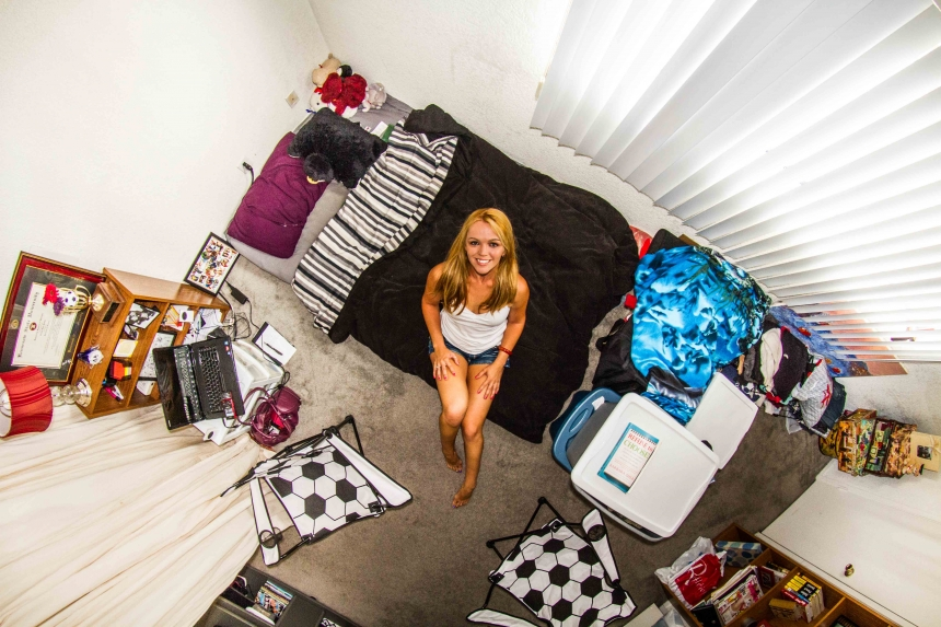 Tosha, dancer in Los Angeles, USA - room #243