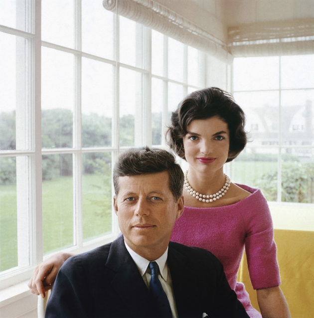 A portrait of Jackie and JFK , White House, 1959 © Mark Shaw / mptvimages.com