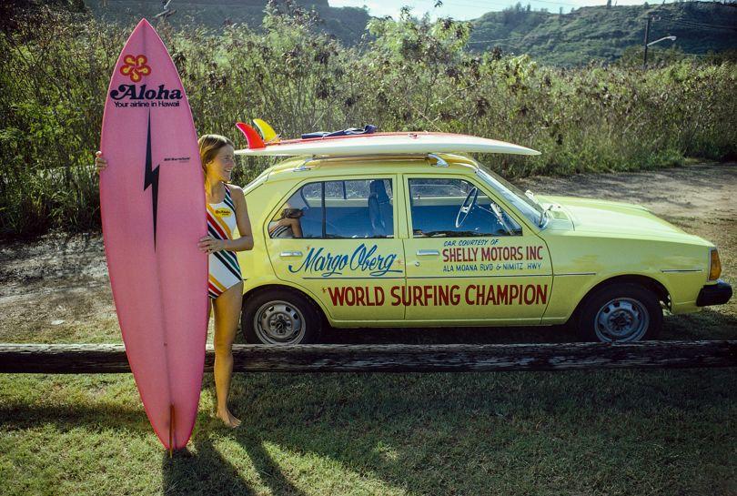 Margo Godfrey Oberg, Sunset Beach, Oahu, Hawaii 1977 – Photo © Jeff Divine