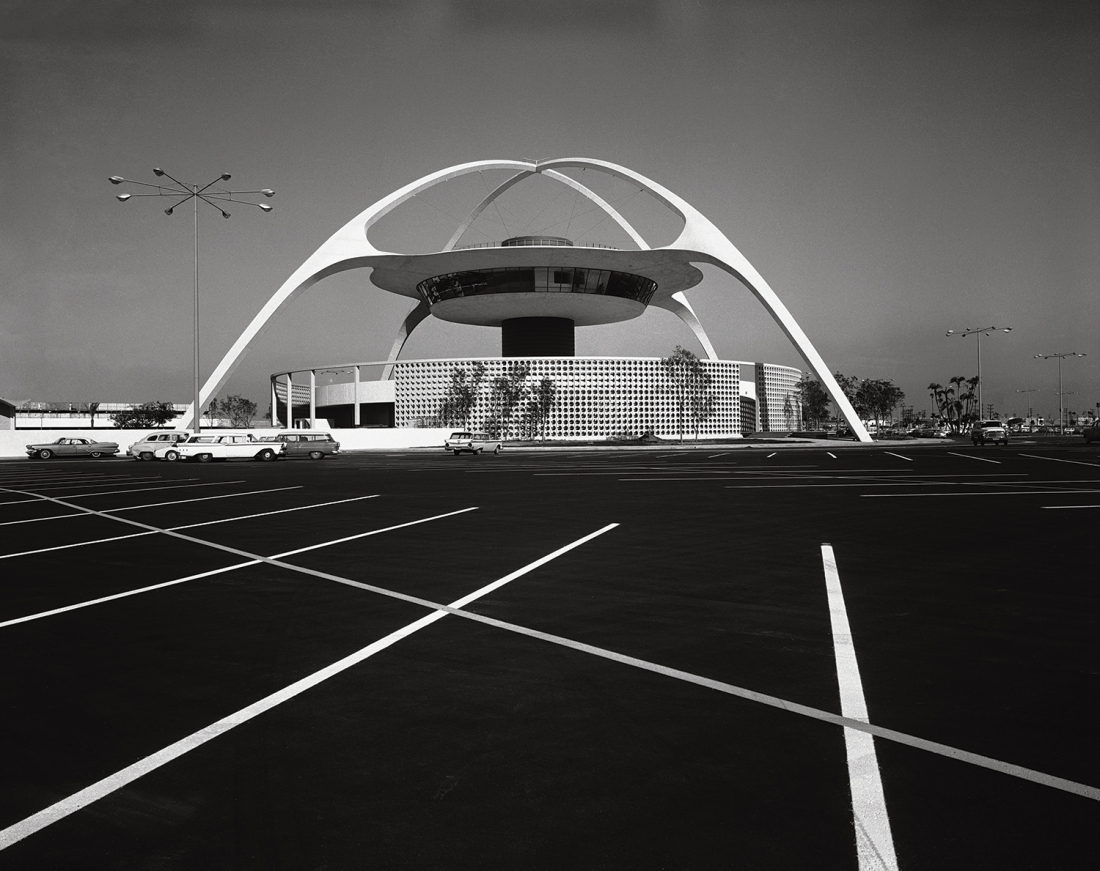 Pereira & Luckman, LAX Theme Building, Los Angeles, 1961. Picture credit: courtesy of the Estate of Marvin Rand