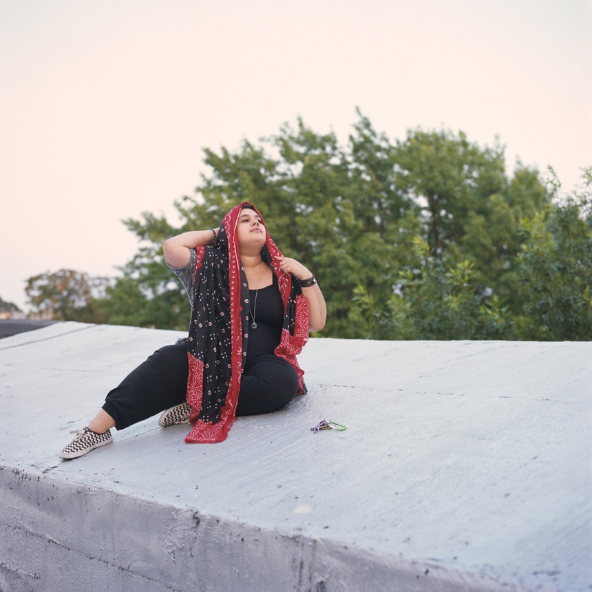 "Sara, New York © Lia Darjes: ""For me, it has never been about reconciling. I feel both identities – being queer and Muslim – complete each other. And that I am able to be my best self when I embrace a 100% of what I represent. I celebrate my queerness and I celebrate my Islam. For me, there has never been a problem with me being queer in my Muslim community. Many people think that the Muslim community is one big thing, but it is not. We each create our own community. I don't know all of the almost two billion other Muslims. I know only those that I see every day as a part of my local community, who love me and who are there for me knowing my full self. For me, what has often been a problem is when I go to certain queer spaces where I experience a lot of Islamophobia. There, they usually think it is not possible to be Muslim and queer. I have to prove, then: It is possible, because I am here and I know many more people like me. Islam has never been a part of my life that I felt limited by, it has always been a source of strength. I feel that I come out as Muslim rather than coming out as queer. Many people have a very strong preconception of what a Muslim woman looks like and how she behaves. And though, when I actually share this with people as something that is really important to me, they are often very confused."""