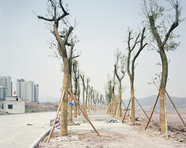 Yangtze Riverside Road, Chongqing, 2011 © Yan Wang Preston