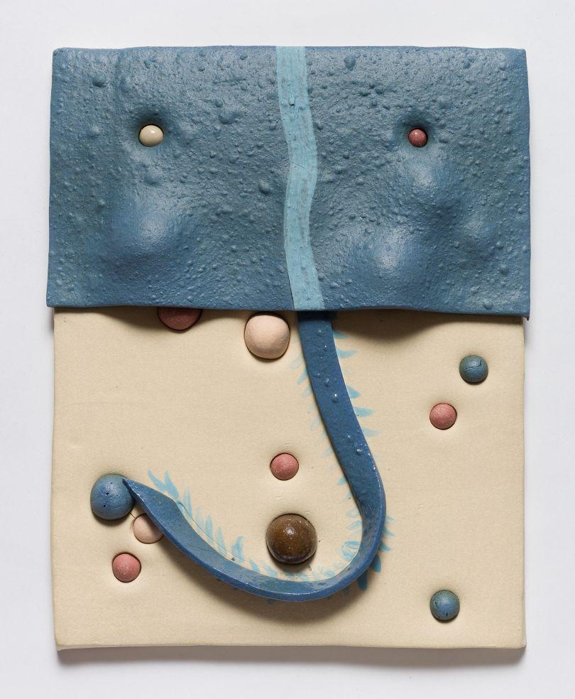 Jonathan Baldock, Maske XI, 2019, ceramic, 31 x 35 cm. Copyright Jonathan Baldock. Courtesy of the artist and Stephen Friedman Gallery, London