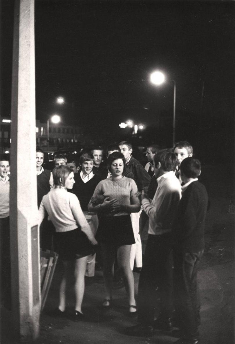 'Mods on the street, Borehamwood', Terry Spencer © Cara Spencer