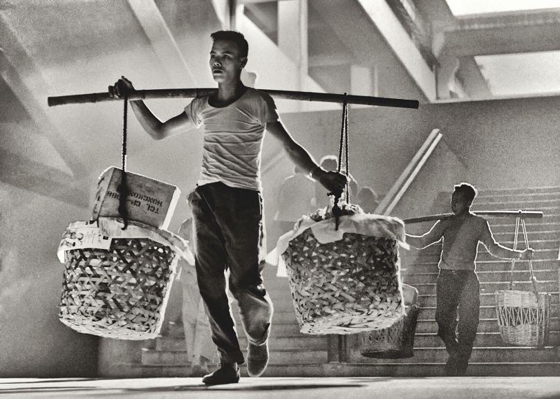 Fan Ho 'Balance(穩)' Hong Kong 1950s and 60s, courtesy of Blue Lotus Gallery