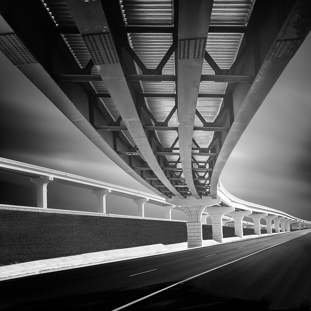 Tim Smith's black and white minimalist photography that helps you live in the present