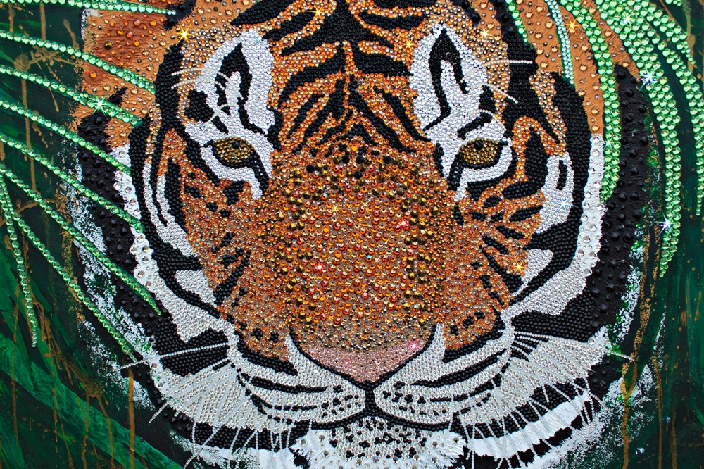 Image of: Elementary Glittering Crystal Mosaic Oil Paintings Of The Worlds Most Vulnerable Animals Creative Boom Glittering Crystal Mosaic Oil Paintings Of The Worlds Most