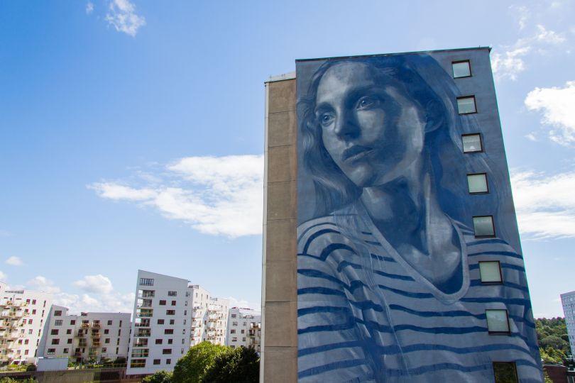 Mural by the Australian artist Rone at Mandolingatan 39, V Frölunda. © Artscape/Göteborg & Co