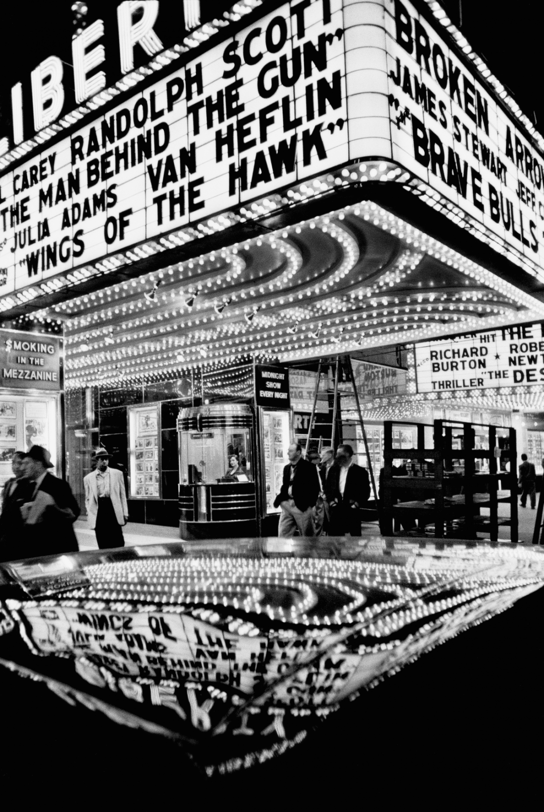 Wings of the Hawk, New York, 1955 © William Klein