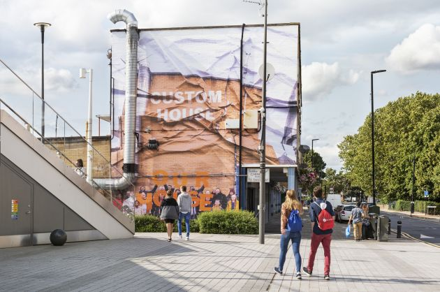 Custom House Is Our House, 2019, Jessie Brennan (Part of the year-long series Making Space) Commissioned by the Royal Docks Team, a joint initiative by the Mayor of London and the Mayor of Newham. Produced and curated by UP Projects.  Photo by Thierry Bal. Via Creative Boom submission.
